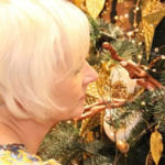 Christmas Decorating Expert Helen Watson Gives You Advice On Decorating Your Christmas Tree