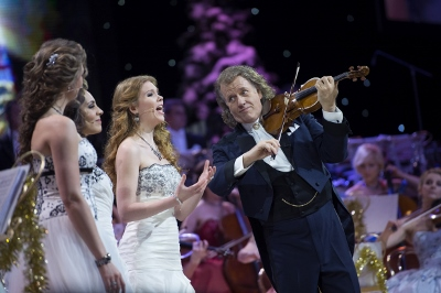 Andre rieu to tour uk ireland this december for Under the christmas tree 2017