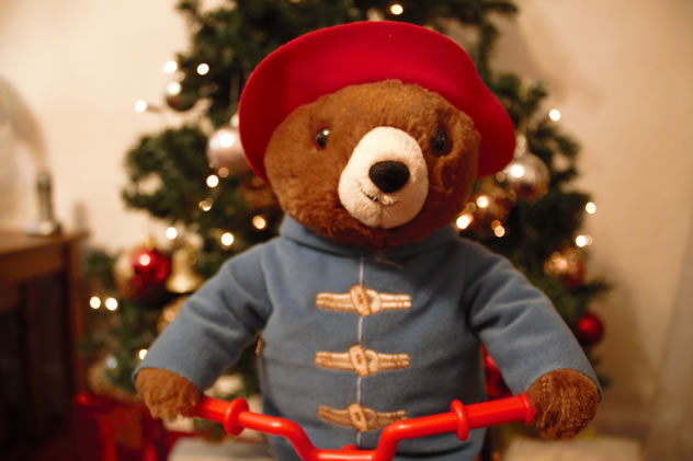 Christmas review 2017 rainbow toys cycling paddington for Under the christmas tree 2017