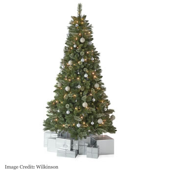 9 gorgeous artificial christmas trees 2017 for Under the christmas tree 2017
