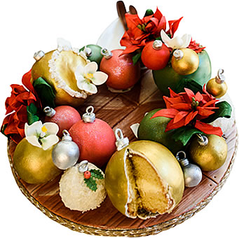 Edible Christmas Wreath Fruit Cake