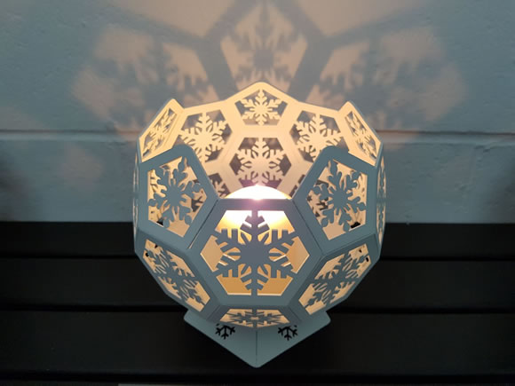 Blazing Balls Candle Lit