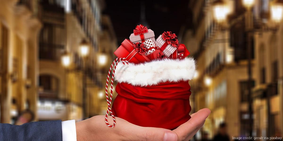 Image of saving money at Christmas