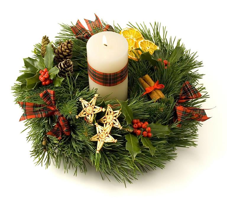 A hamndmade Christmas wreath