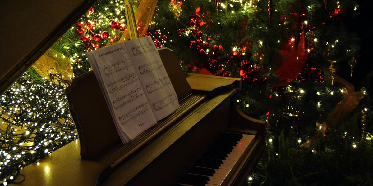 Christmas music at piano