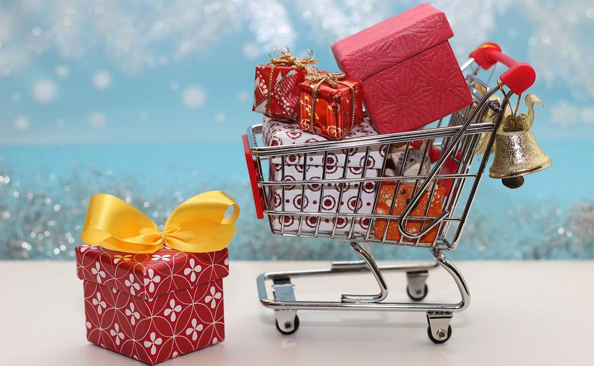 Image of Christmas shopping