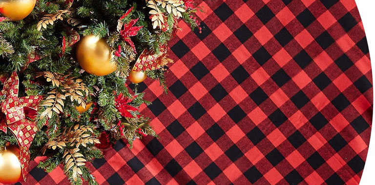 Tartan black and red tree skirt