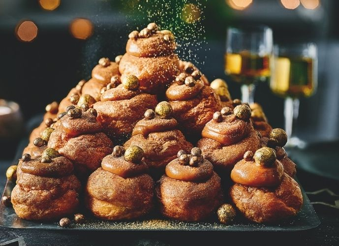 Marks and Spencer Christmas 2020 - Golden Balls - Profiteroles