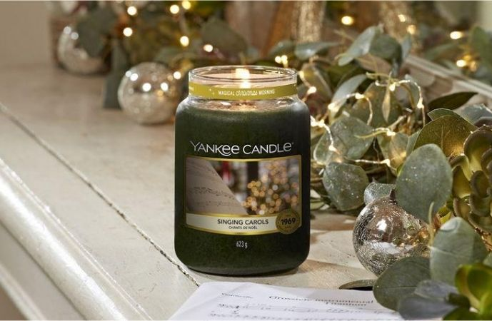 Yankee Candle Singing Carols
