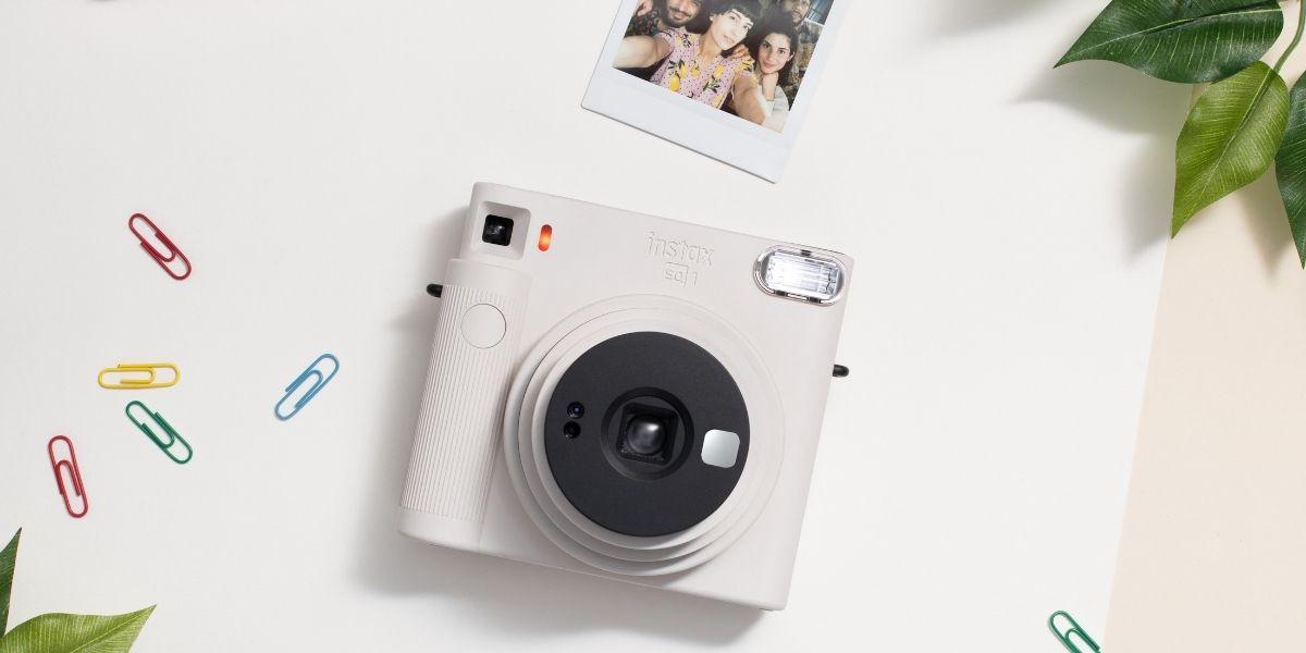 Fujifilm Instax SQUARE SQ1 Chalk White Instant Camera