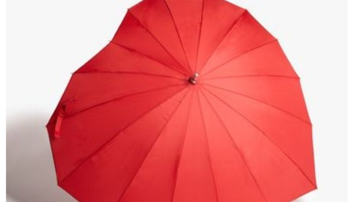 heart shaped umbrella - john lewis christmas advert