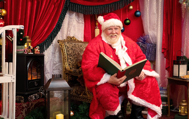 Image Of Santa At Home
