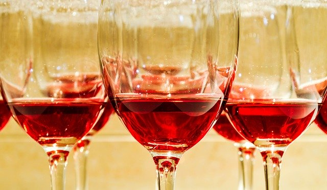 Image Of Red Wine Glasses