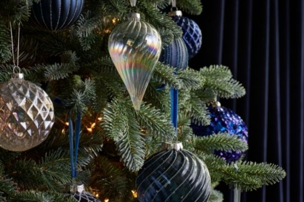 Dobbies Christmas 2021 Midnight Reflections Baubles