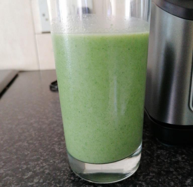 Image of Ninja 2-in-1 blender smoothie