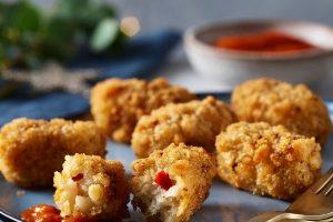 Asda Christmas Food 2021 - Asda Christmas Food 2021 - Vegan Crab Croquettes with Red Pepper & Roasted Garlic Puree