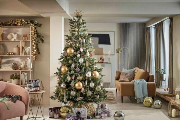 John Lewis Christmas 2021 - Luxe City