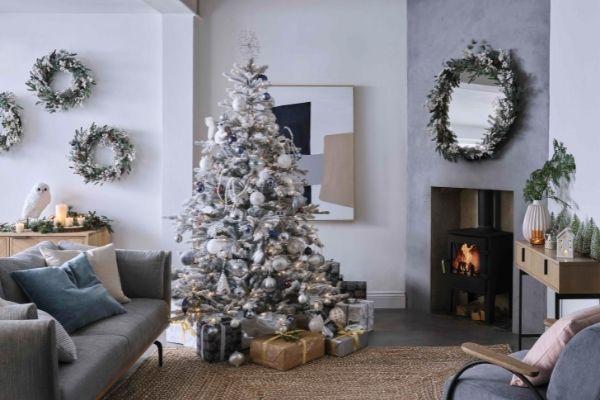 John Lewis Christmas 2021 - Snow Mountain