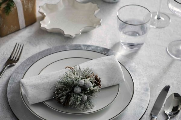 ohn Lewis - Snow Mountain Dinner Set